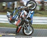 Stunts Suzuki GSX-R1000, GSXR day..............1000